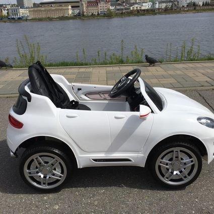 Электромобиль Porsche Macan (резиновые колеса, кожа, пульт, музыка)